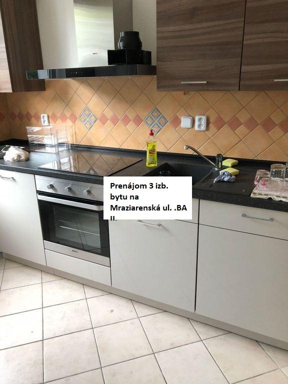 Prenájom 3-izbov bytu v Ruzinove s 2 balkonmi a moznostou parkovania, na Mraziarenská ulica