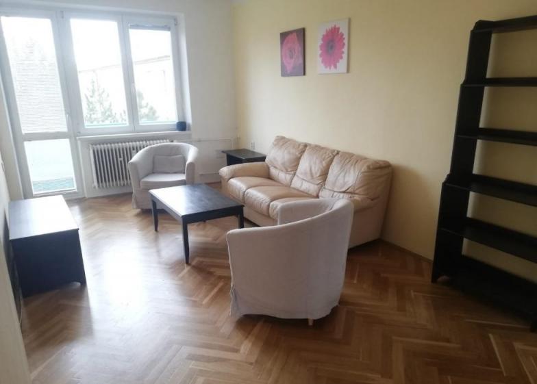 Prenajom tehlového 3 izb. bytu s balkónom , Medzilaborecká , Bratislava II - Ružinov