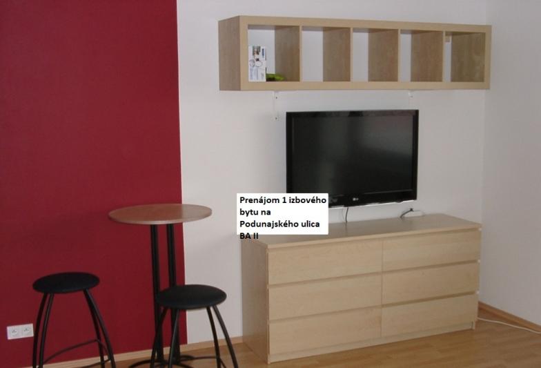 Prenajom 1 izb. zariadeného bytu v novostavbe, 2/6p, s balkonom, pivnicou, garazovym statim, Podunajska ulica.