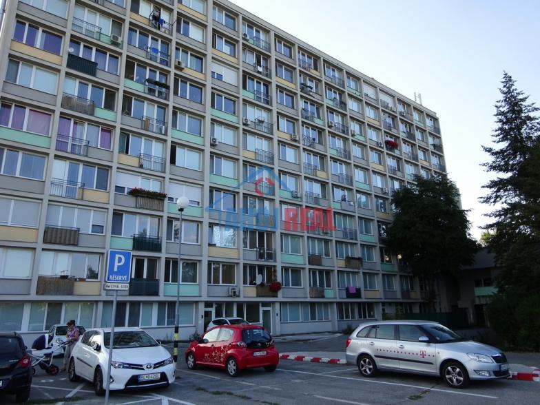 2i ZÁVODNÁ,PARKING, TV +iNET, fr. balkon, výťah