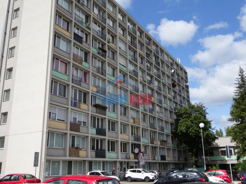 2i ZÁVODNÁ, KLÍMA, TV +iNET, fr. balkon, výťah