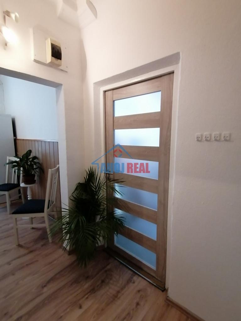1,5 IZB zariadený byt, RUŽINOV, TV aj NET, loggia