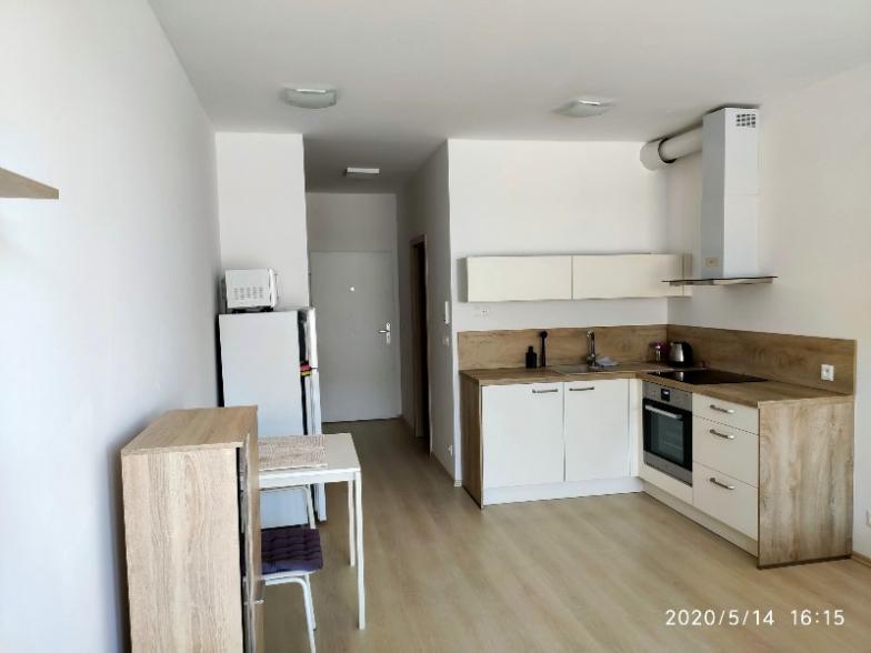 Prenaj.1-izb.byt na Bajkalskej v novost. s loggiou