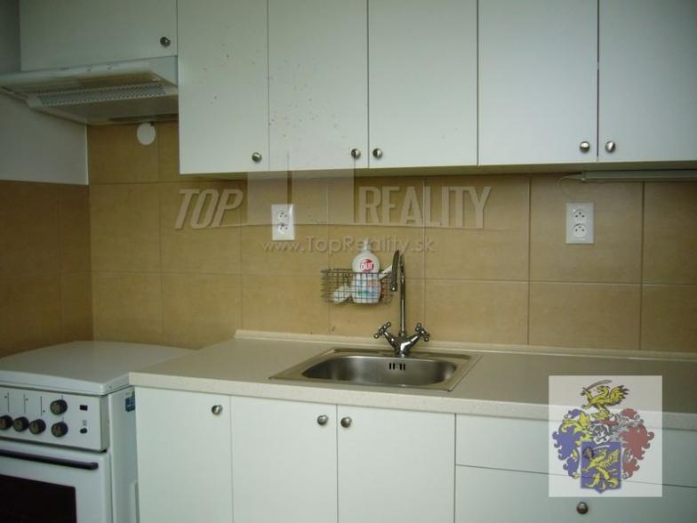 EMA reality - 2 izbový byt blízko centra Piešťan