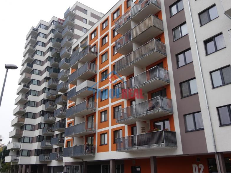 Jégeho Alej III, zariadený byt, Ružinov blízko OC CENTRAL