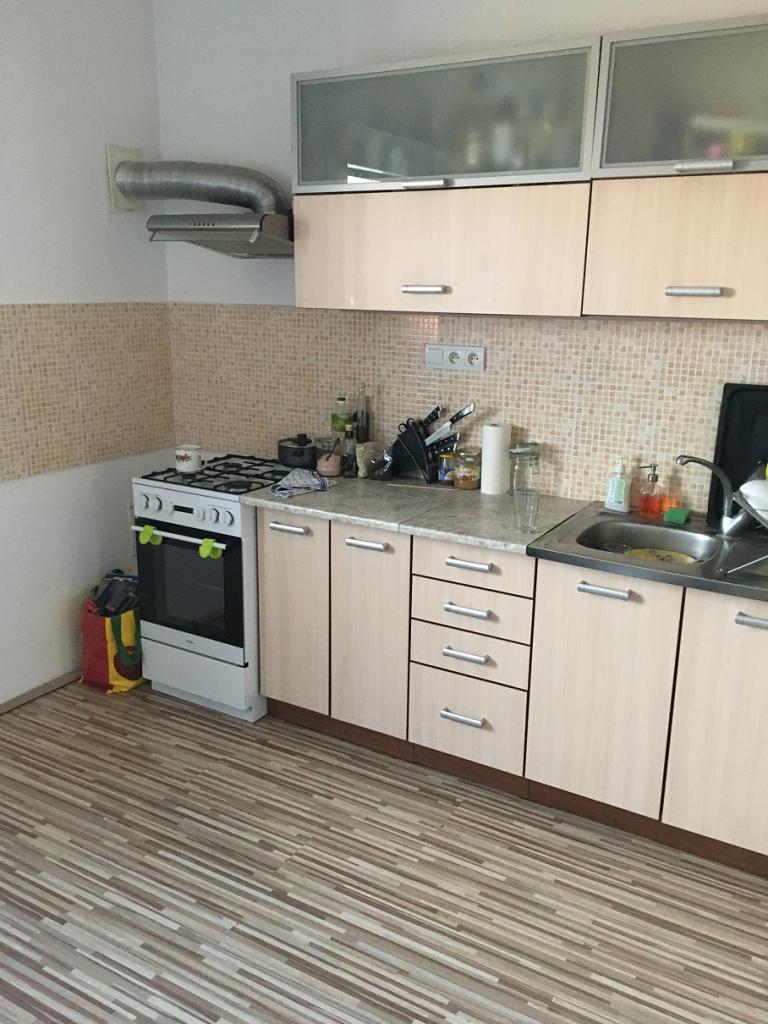 Prenájom 2 izbového bytu na Paričkovej ulici - Mlynské nivy (lukrativna oblast 500 bytov), j