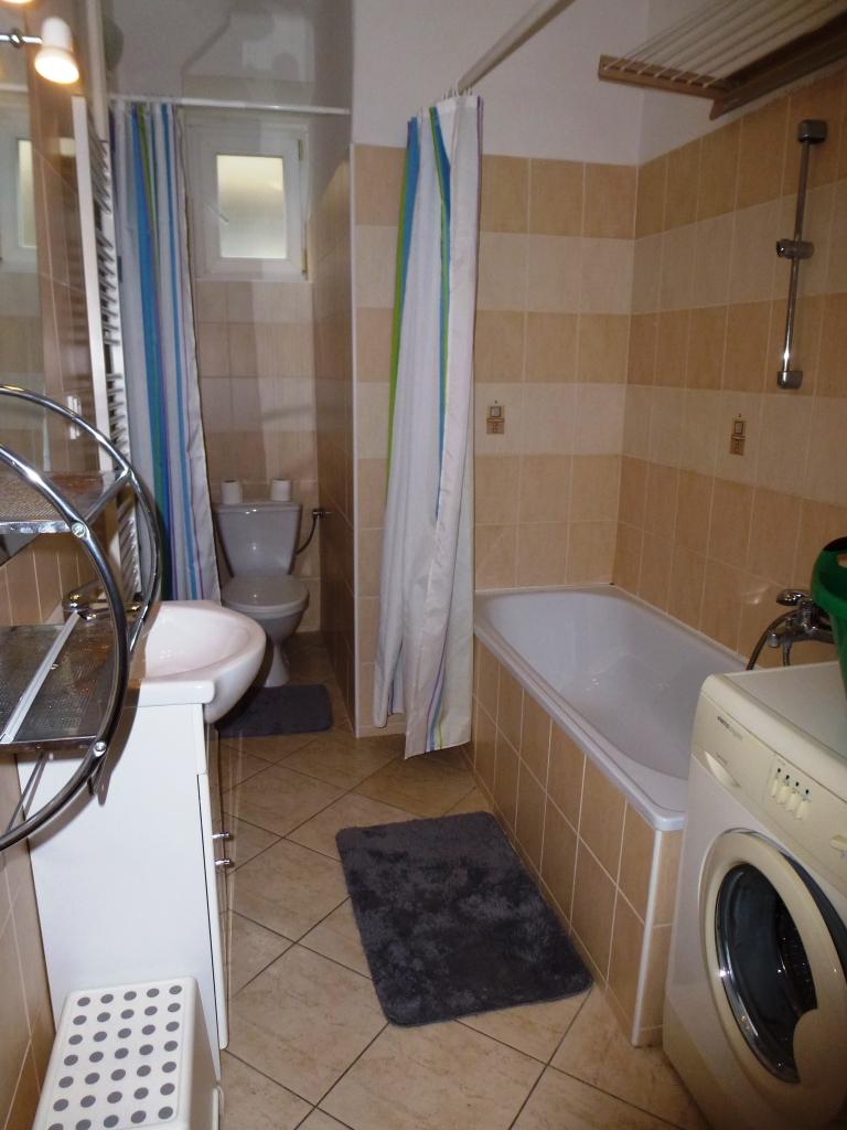 Prenájom 2 izbového bytu na Vajnorskej ulici , Bratislava III - Nové Mesto