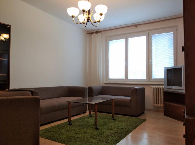 Prenájom 3 - izbového bytu na ul. J. C. Hronského na Račianskom mýte.