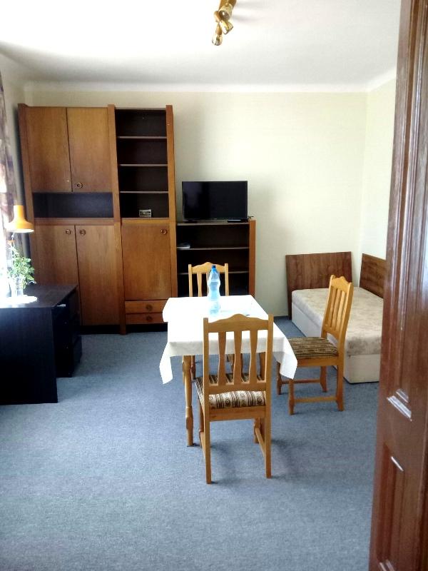 Prenájom 2-izb.bytu v RD na Hattalovej v BA 3