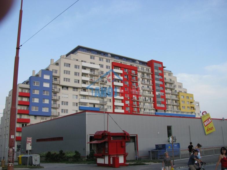PRIESTOR v novostavbe Rustika, Dúbravka