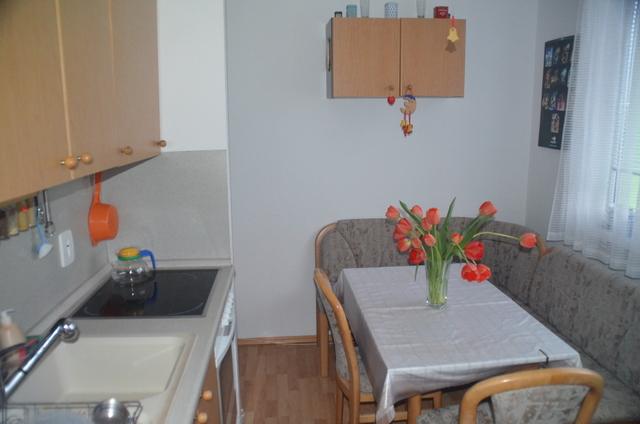 Prenájom čiastočne zariadeného 3-izbového bytu na Bebravskej ulici v