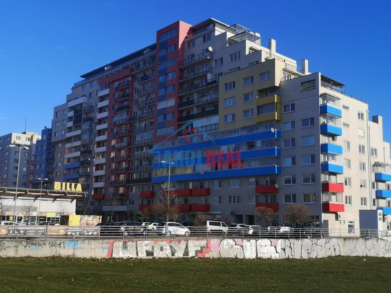 Garážové státie v NOVOSTAVBE RUSTIKA, Dúbravka