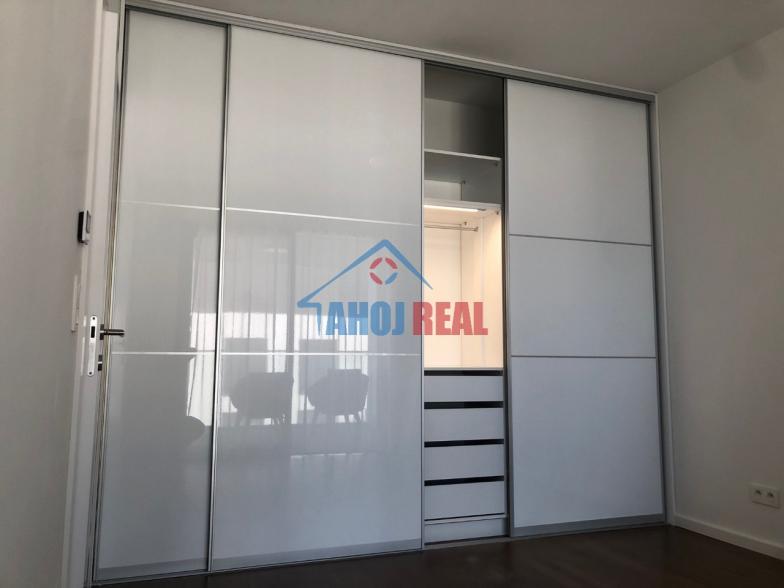Koliba, uplne nový byt v novej novostavbe,garáž