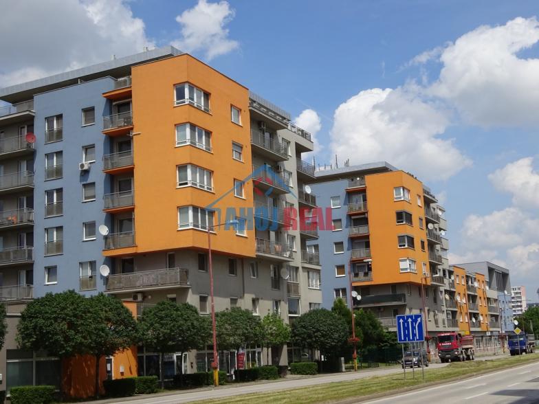 Garážové státie v NOVOSTAVBE Kazanská 5b