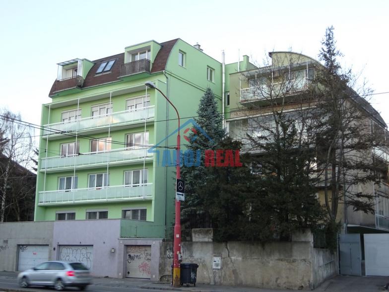 Novostavba, Staré mesto, 2 IZB byt, parking
