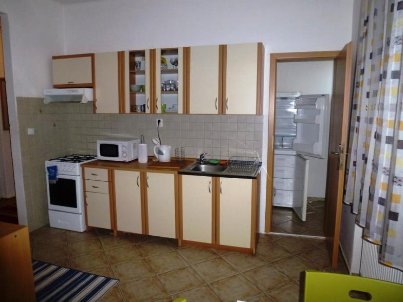 Prenájom 2 izbového bytu na Vajnorskej ulici , Bratislava