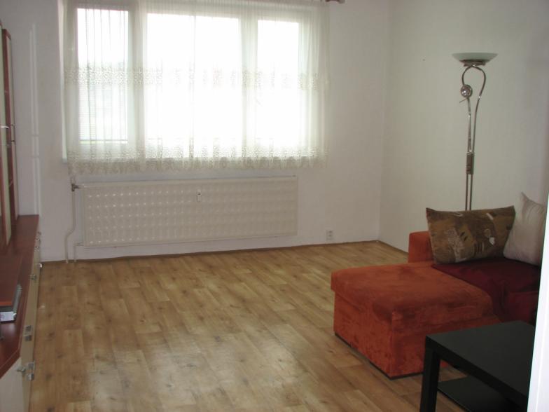 Pekný, slnečný 2 izb. byt,  550€  s energiami, voľný od 1.6.